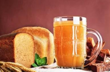 Як зробити домашній квас з цикорію, хліба, на заквасці, дріжджах: рецепт на будь-який смак