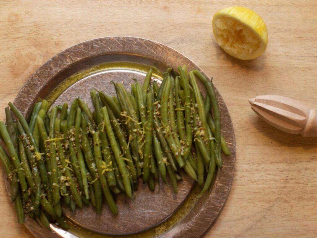 Летние салаты из баклажана, фасоли, огурца: простые рецепты