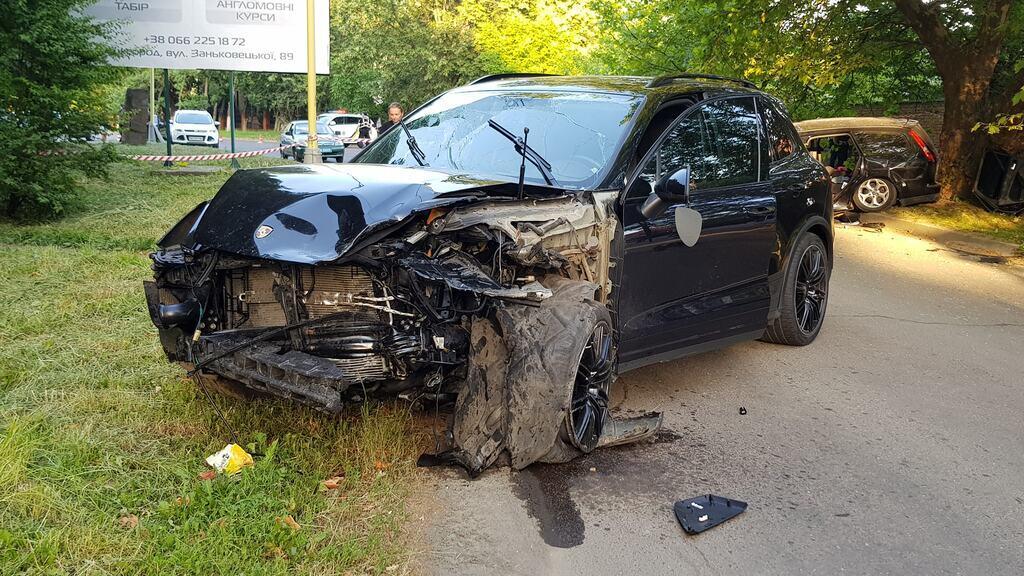 Porsche постраждав не так сильно