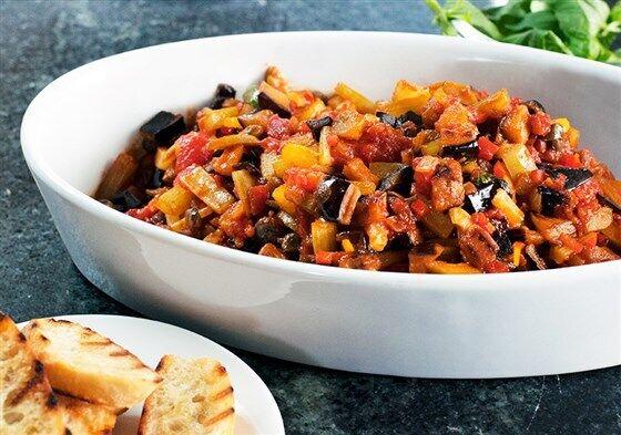 Простые и сытные блюда на праздник: необычные рецепты, которые удивят гостей