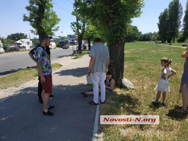 В Николаеве скорая сбила школьницу и скрылась