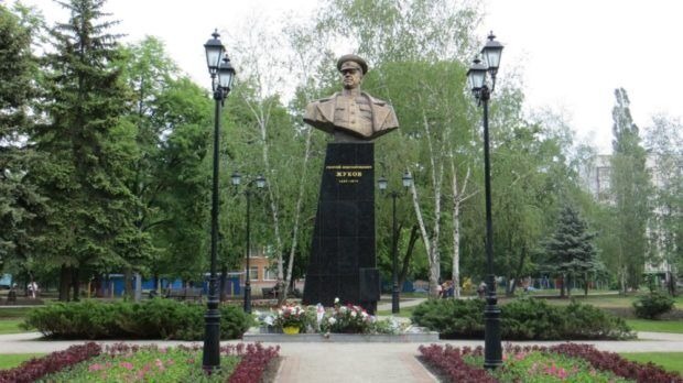 Пам'ятник Жукову у Харкові