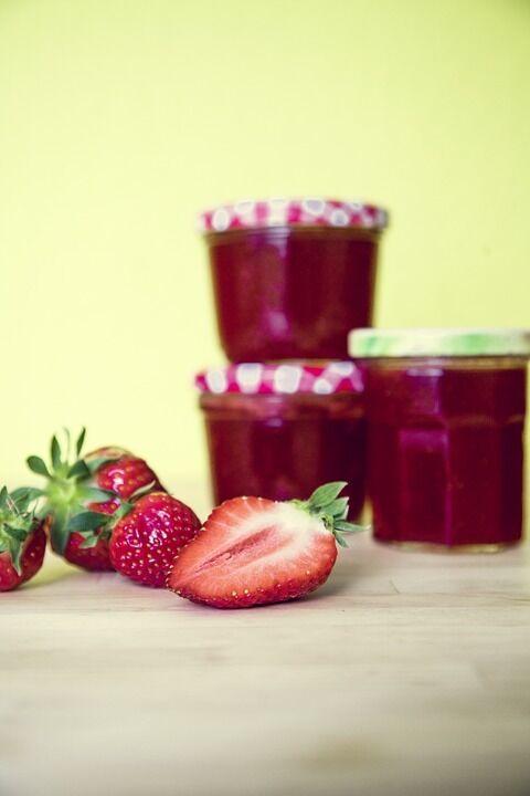 Як готувати полуничне варення: найпростіший покроковий рецепт з фото