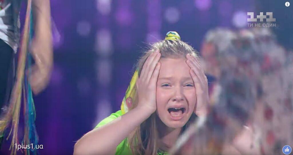 Варвара Кошова плаче
