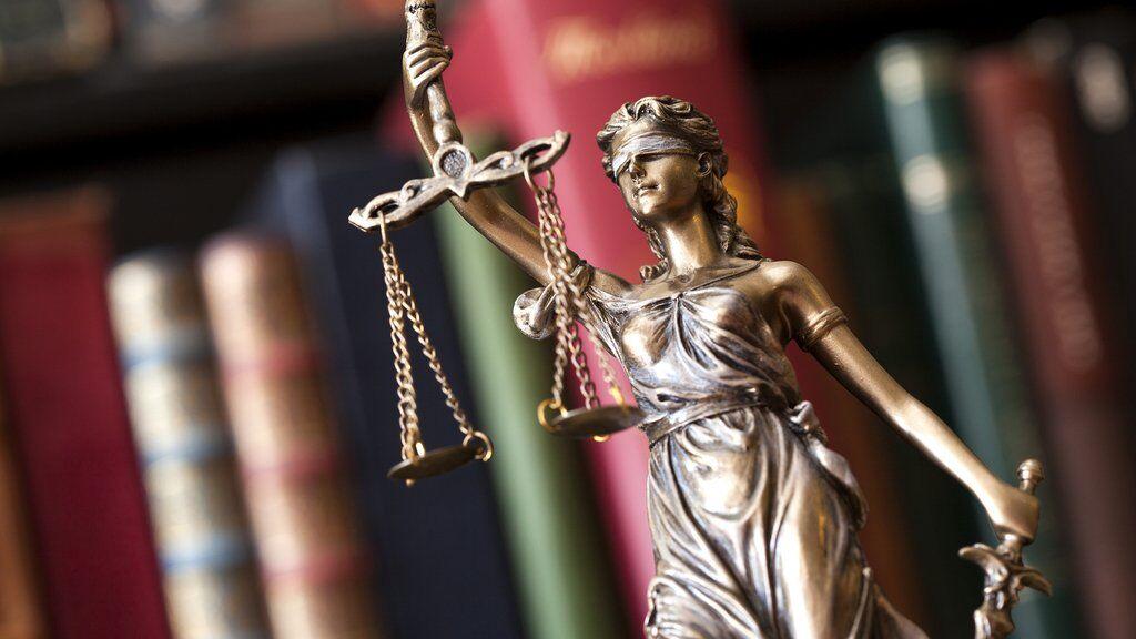 """Новий """"закон Савченко""""? Юрист пояснила резонансне рішення КСУ"""