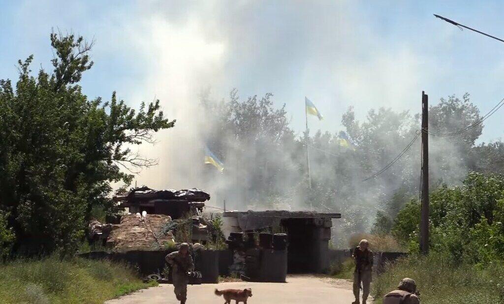 Разведение сил у Станицы Луганской 26 июня. Скриншот с видео пресс-центра ООС