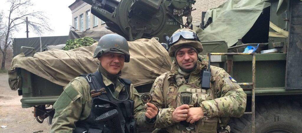 Юрий Бирюков (справа)