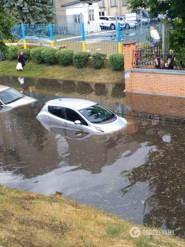 Потоп возле ж/д вокзала в Киеве