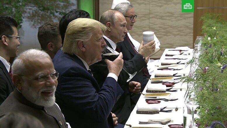 Стакан воды. ЧТО прикидывается Путиным?