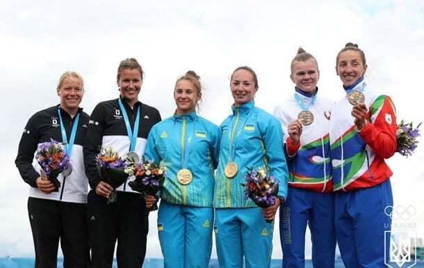 Мария Повх, Людмила Куклиновская – гребля. Победа в заезде на 200 метров.