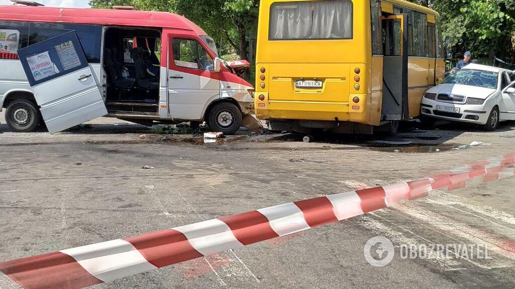 Під Києвом трапилася аварія з двома маршрутками: є постраждалі