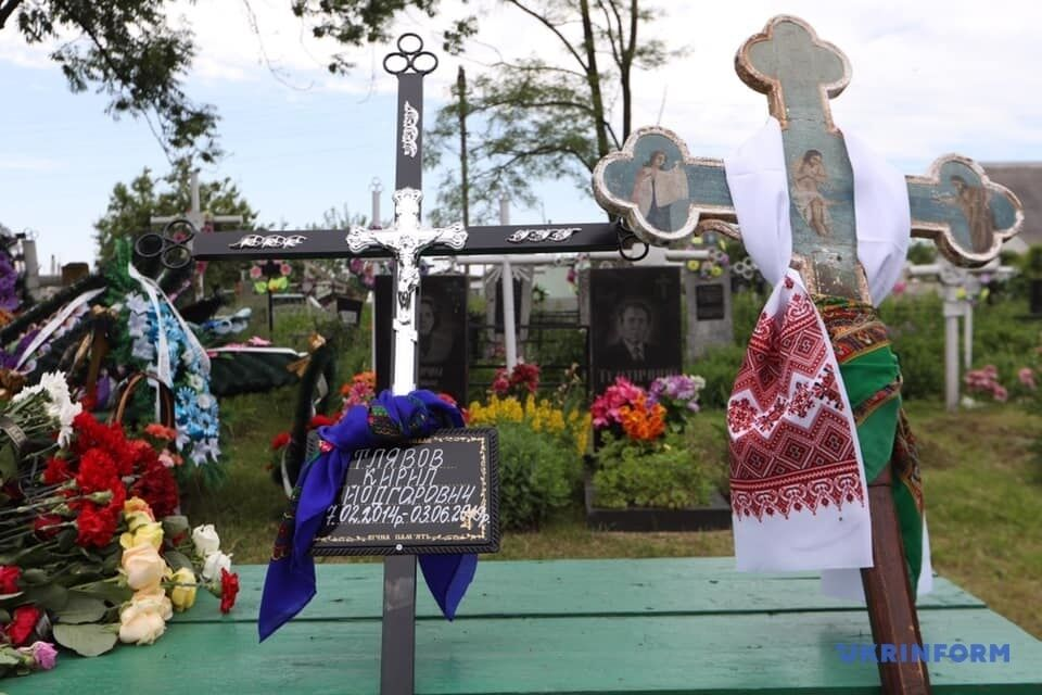Під Києвом поховали вбиту поліцейськими дитину