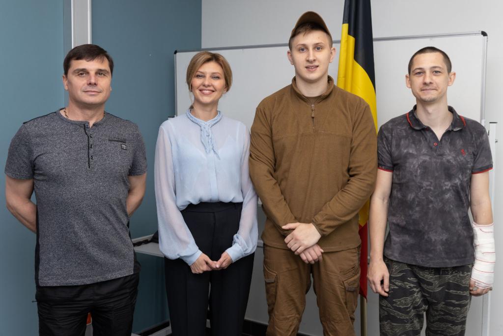 Олена Зеленська з військовими в Брюсселі