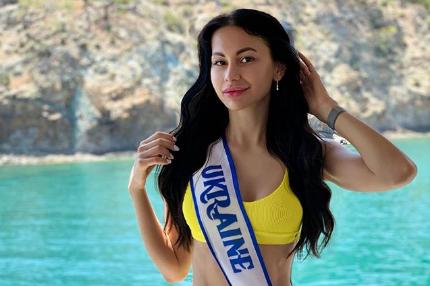 """У """"Мисс Евразия-2019"""" из Украины украли победную корону"""