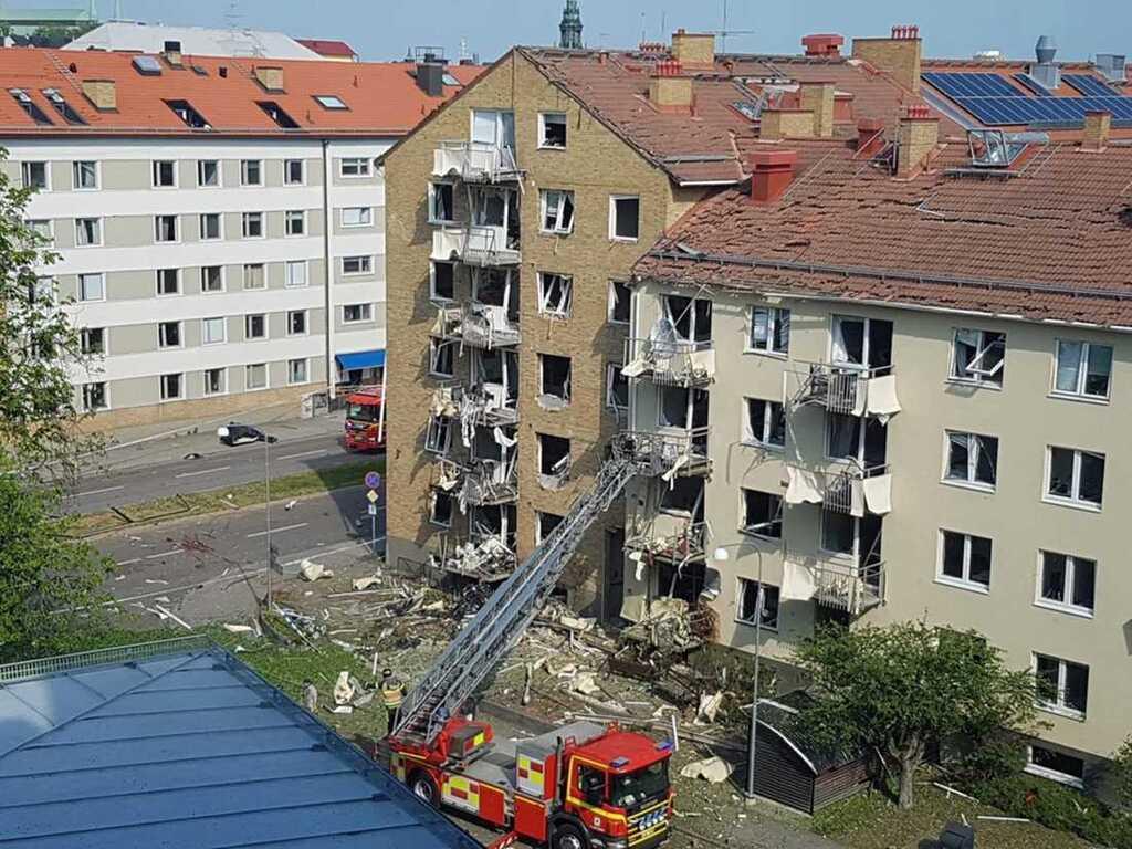 Разрушены балконы