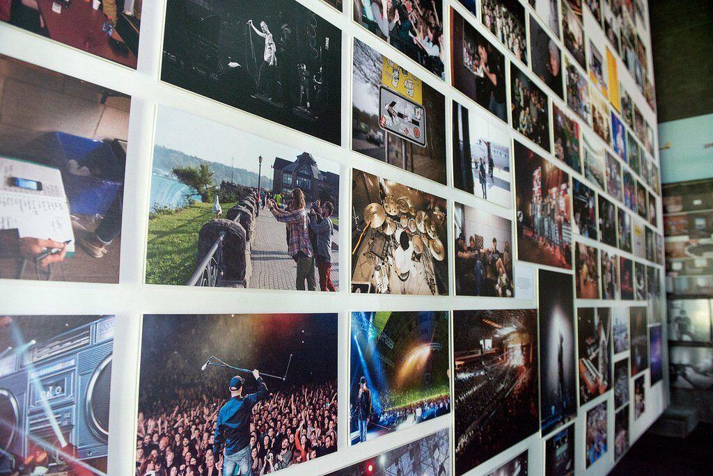 """""""Бумбокс"""" презентували унікальну виставку історії гурту"""
