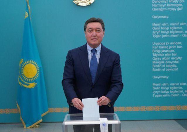 """Казахстан обрав нового """"вічного"""" президента: офіційні результати"""