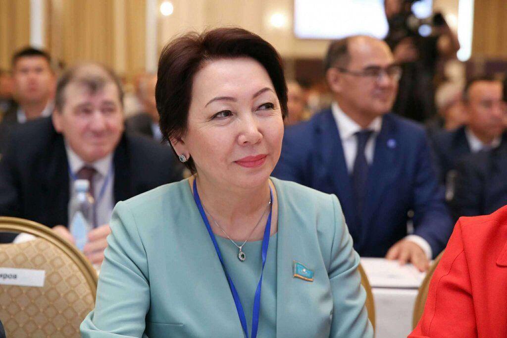 Данія Еспаева