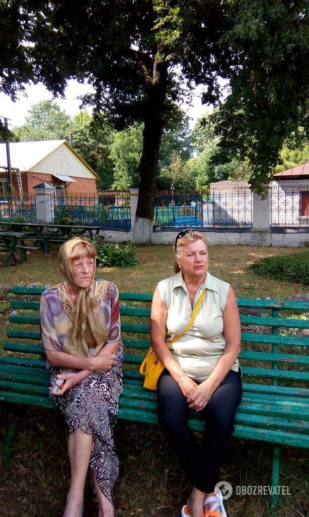Местные жители – Людмила Ивановна (справа) и Ольга