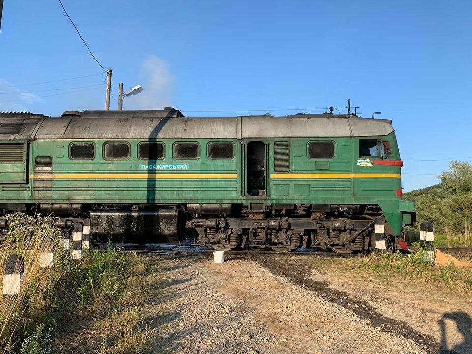 Под Львовом загорелся поезд с пассажирами