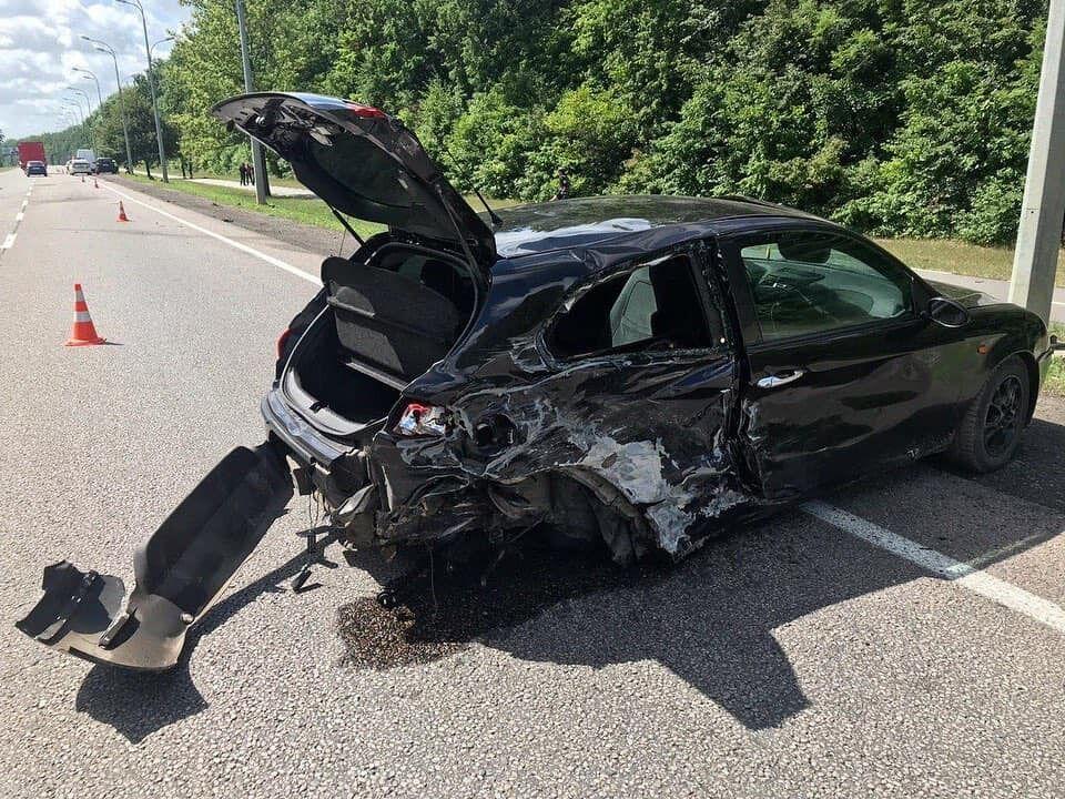 В результате происшествия были разбиты несколько авто