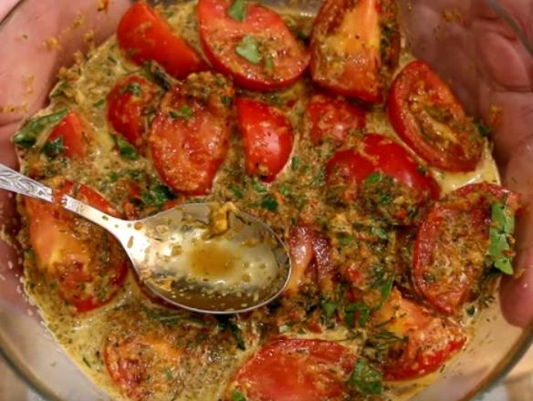 Дуже смачний рецепт помідорів по-корейськи