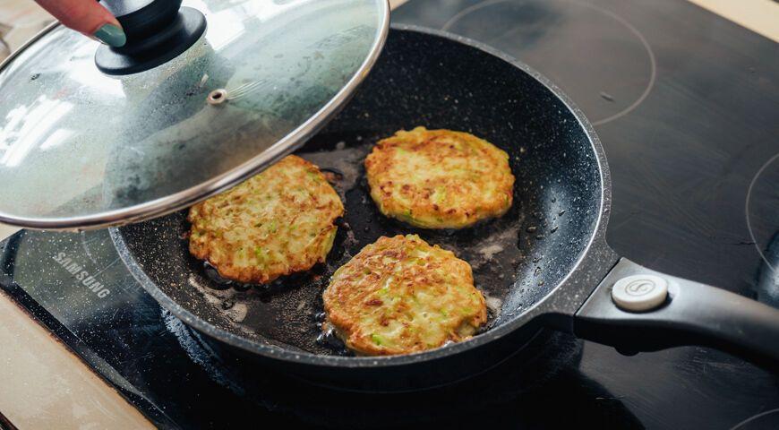 Рецепт очень вкусных оладий из кабачков с секретом