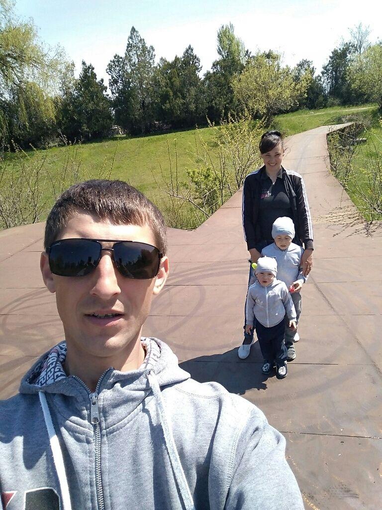 Владимир Чоп с женой и детьми