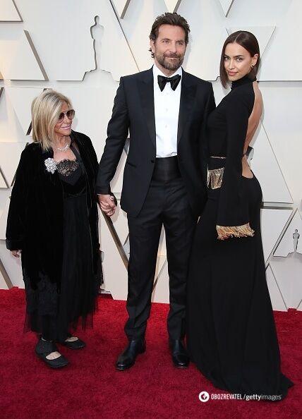 Бредлі Купер із Іриною Шейк і мамою