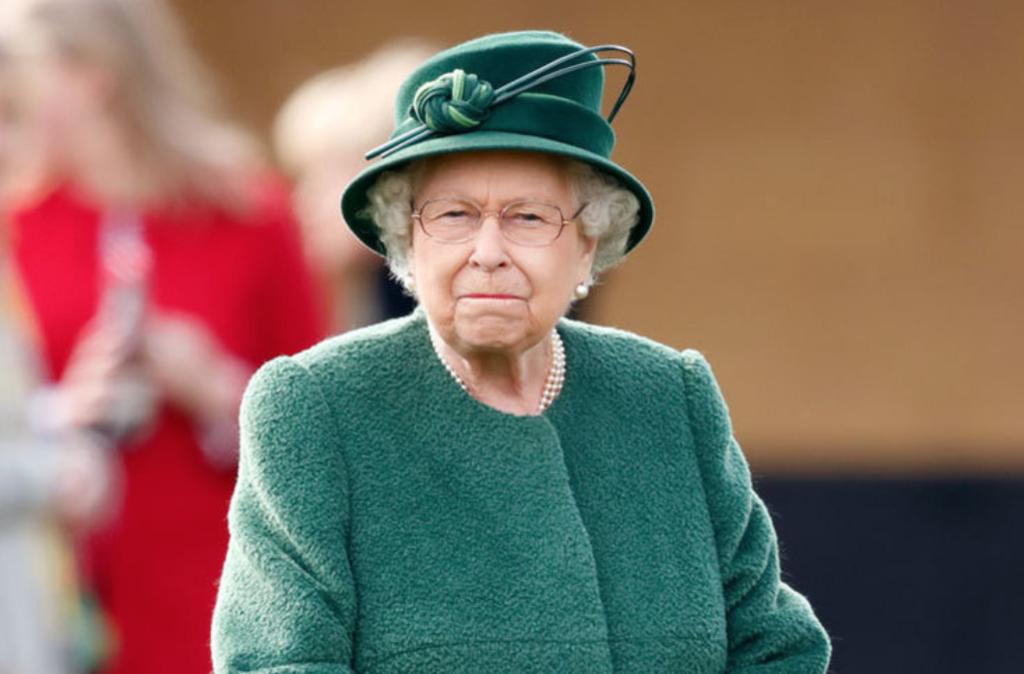 """""""Хотів проникнути в спальню"""": на королеву Британії намагалися напасти в Букінгемському палаці"""