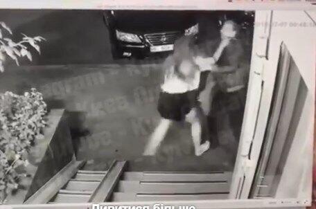 Неизвестный напал на девушку