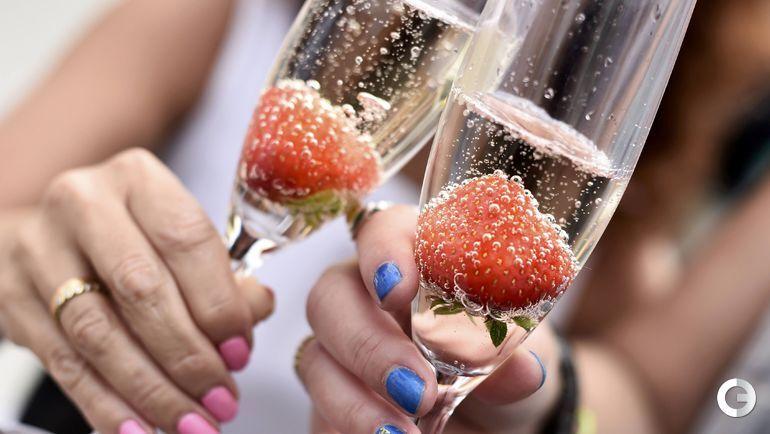 Клубника в шампанском – еще одна классика Wimbledon