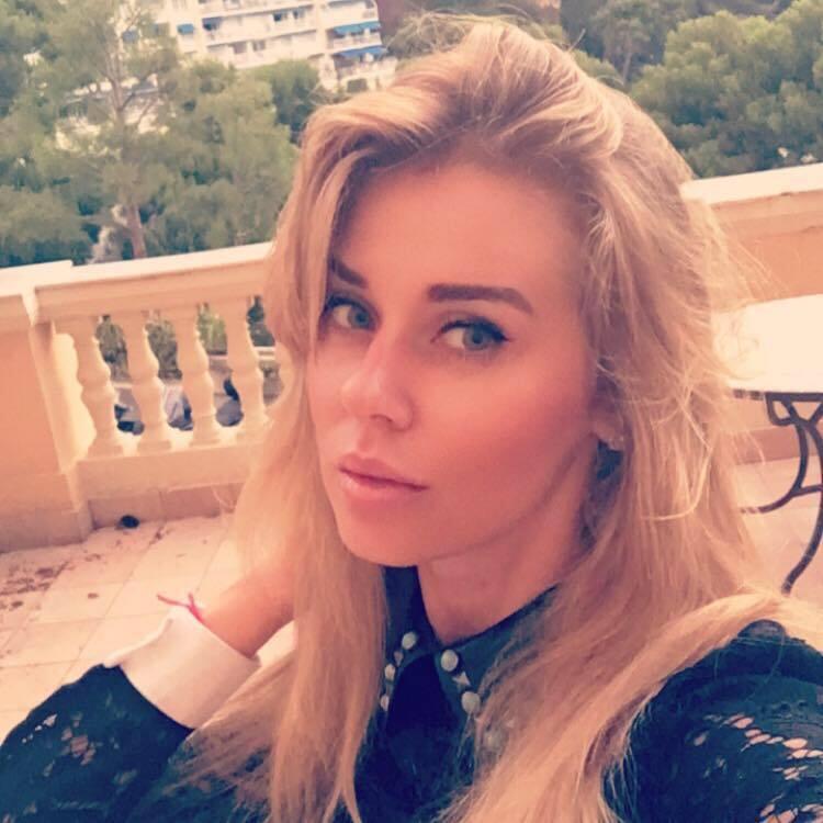 Девушка Богдана Анастасия Сличная
