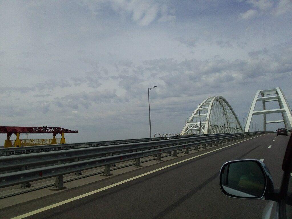 Безлюдний міст