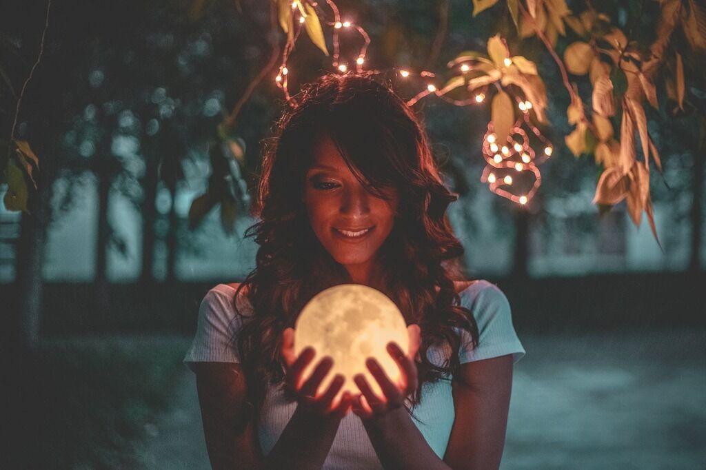 Кровавое лунное затмение 17 июля: смотреть видео онлайн
