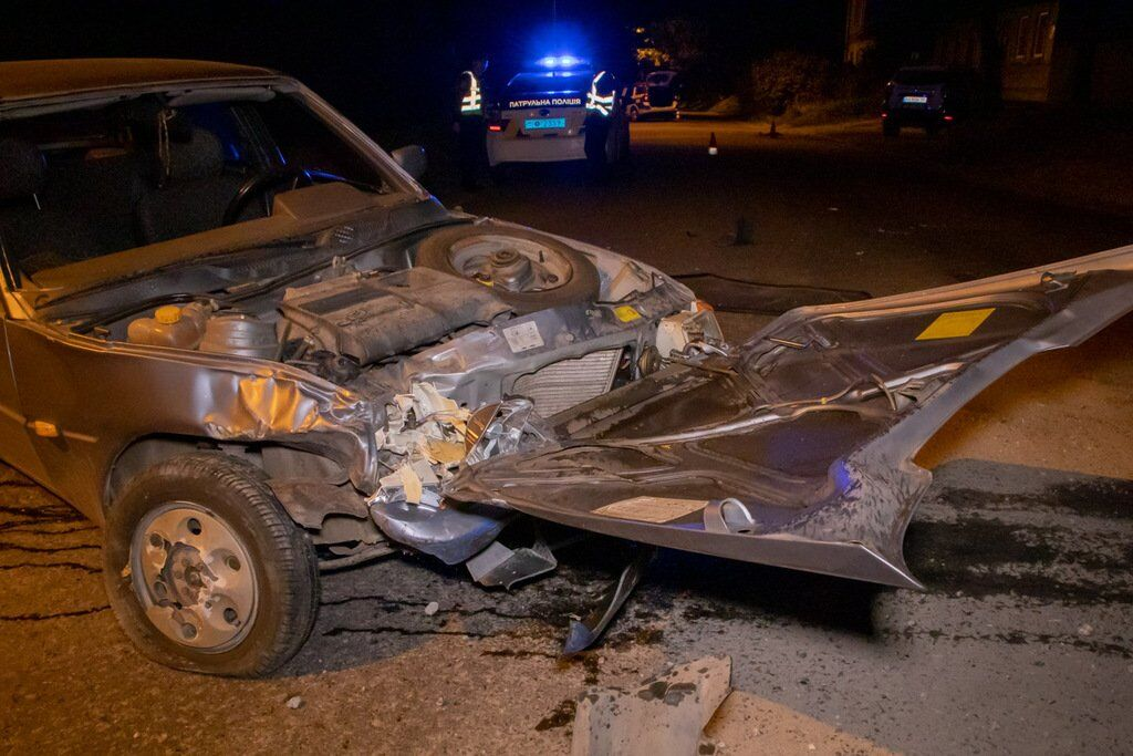 Обидва автомобілі сильно постраждали