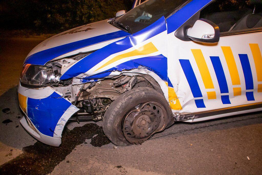 Авто служби охорони врізалося в машину з дитиною