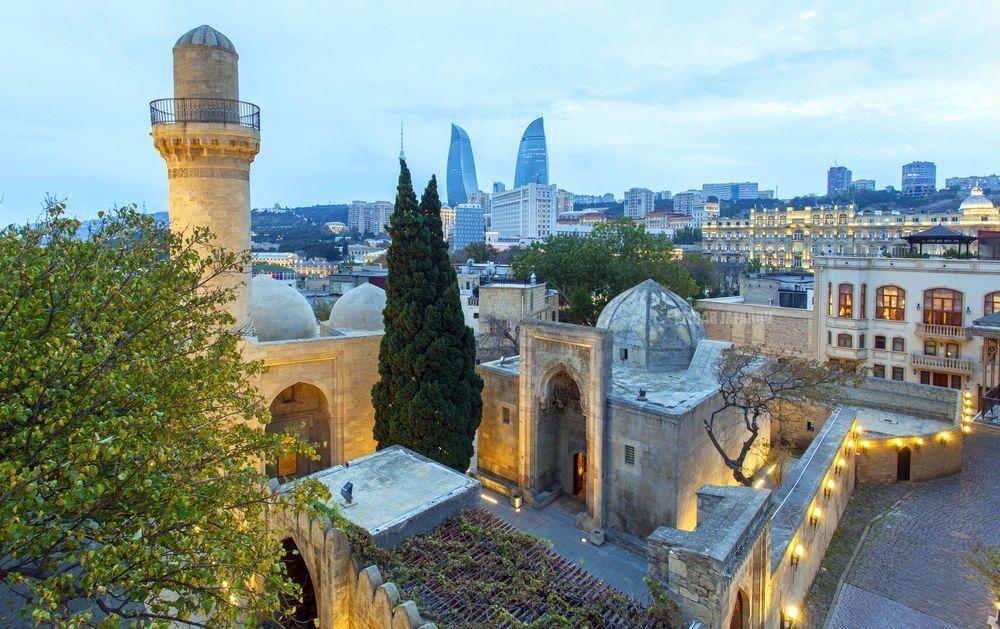 Баку – лучше даже Сингапура. Это пример для Киева