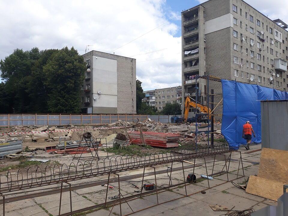 Во Львове уничтожили мозайку времен СССР: фото