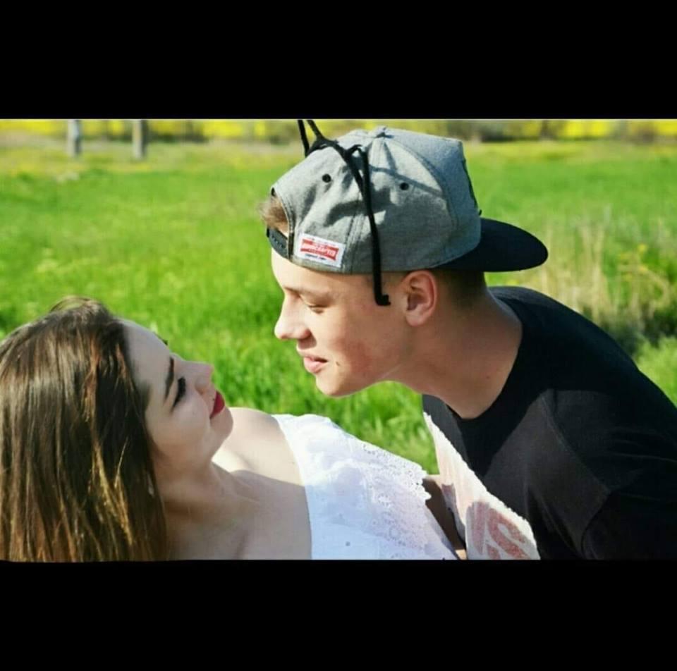 Андрій зі своєю дівчиною