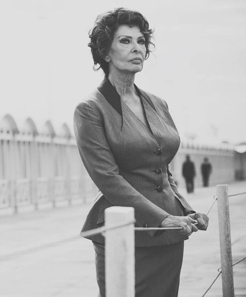 Софи Лорен - фото ЧБ