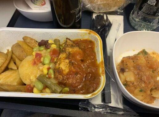 Пасажира жахнула страва в літаку