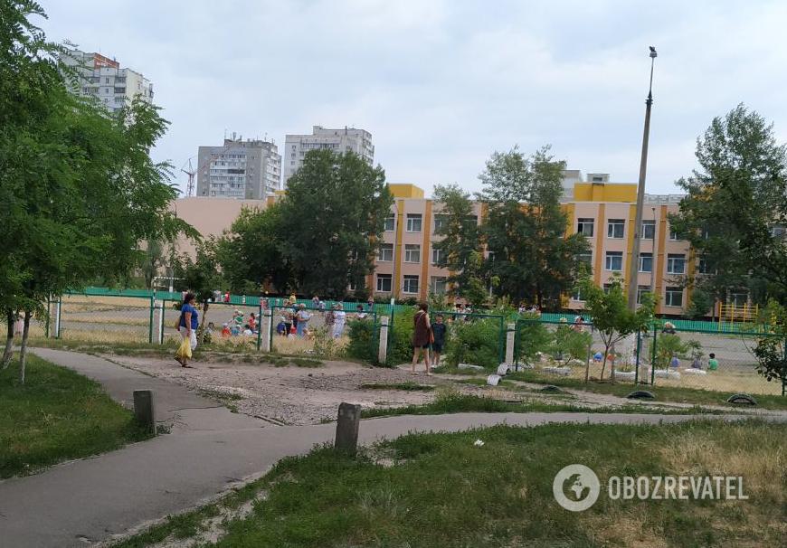"""""""Всем срочно забрать детей!"""" В Киеве эвакуировали все детские садики"""
