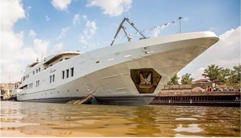 """Російський олігарх витратив один мільярд рублів на будівництво яхти """"Селена"""""""