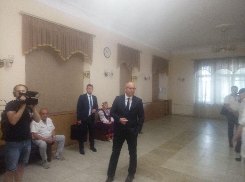 Андрей Парубий на избирательном участке