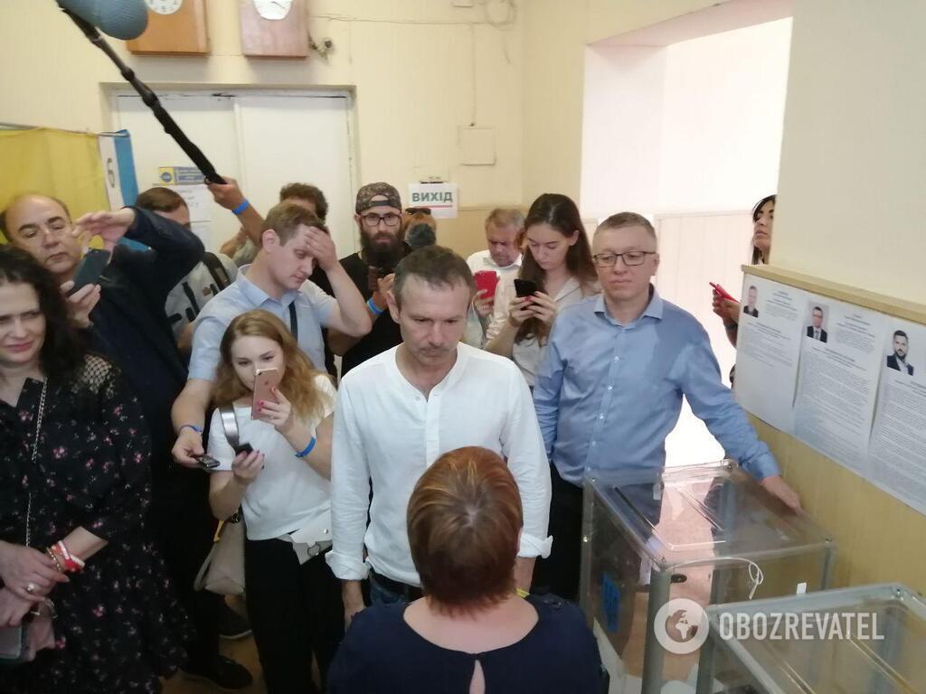Святослав Вакарчук в день выборов