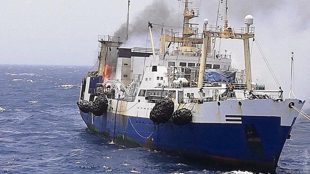 Пожар на украинском траулере