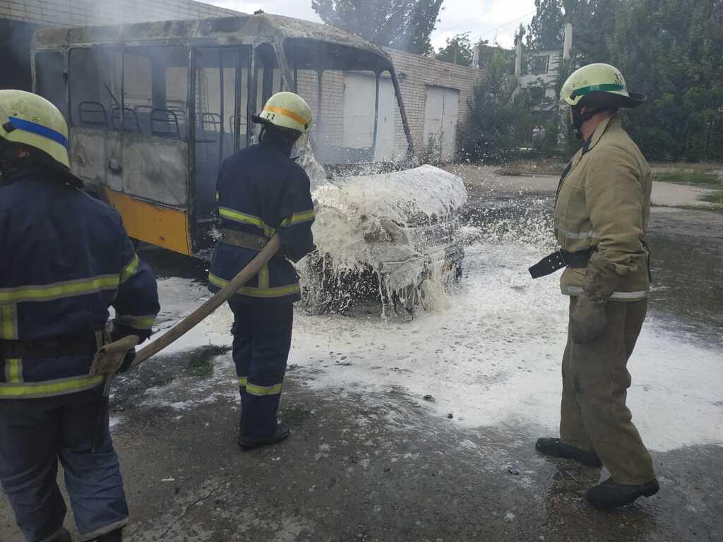 Пожарные ликвидировали огонь