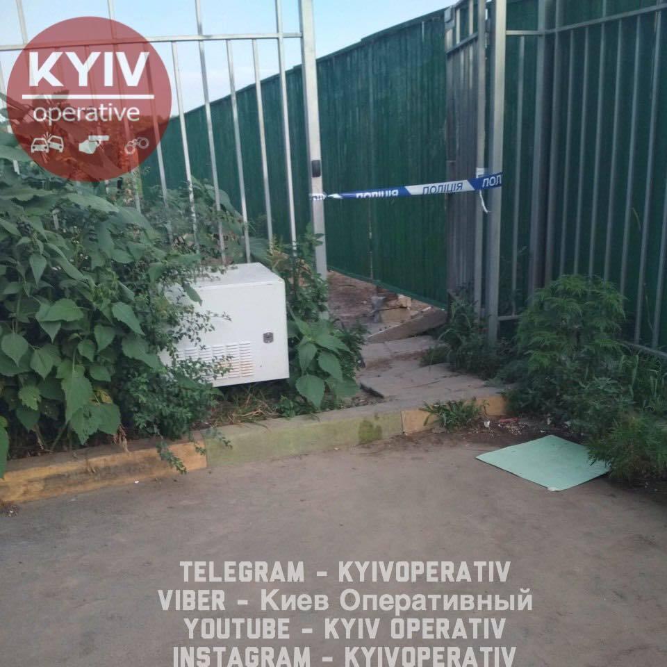 Дівчина підірвалася на гранаті: з'явилися деталі потужного вибуху під Києвом
