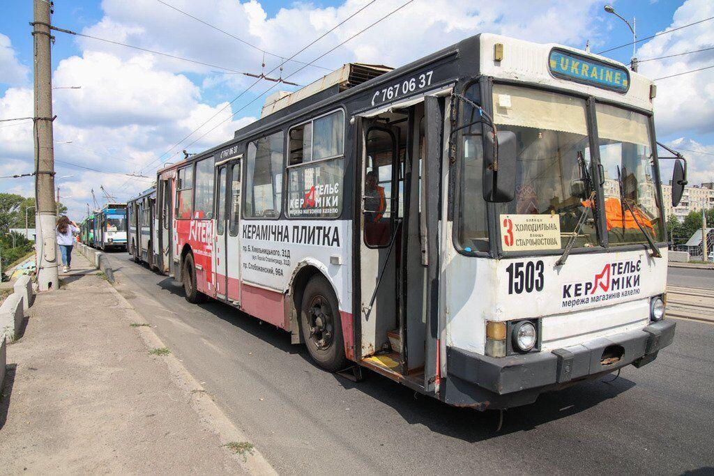 Движение троллейбусов приостановлено